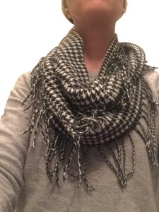 Cejon Black and White Herringbone Scarf
