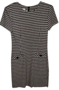 Byer Too short dress California Size 7 Black And White Checkered Pattern Stretchy Fabric Short Sleeves Zipper Down Back 2 Simulated Pockets on Tradesy