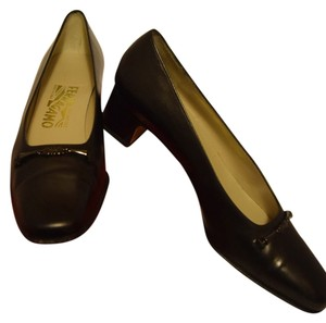 Salvatore Ferragamo Narrow 7.5 Leather Bit Detail Black Pumps