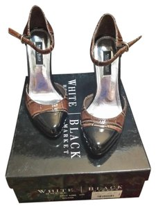 White House | Black Market Brown and black Pumps