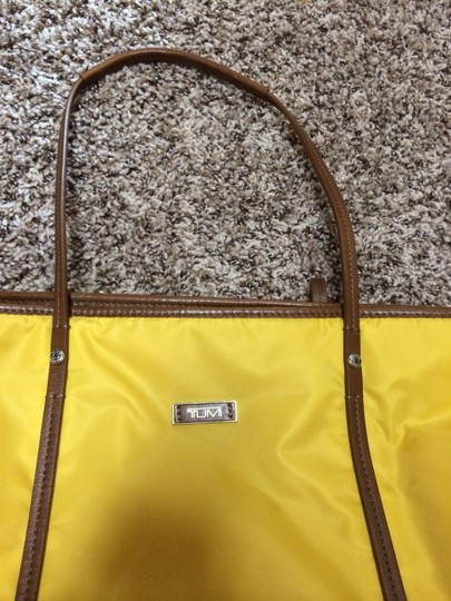 Tumi Tote in Yellow/pink