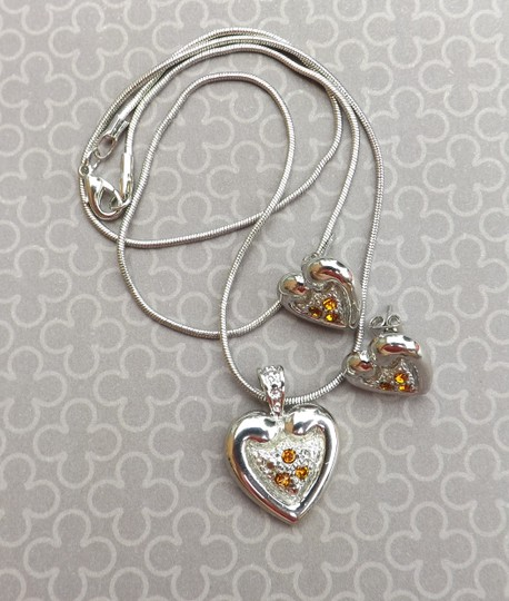 Boutique New Cute & Classy Silver Necklace, Pendant & Earrings Set