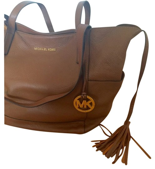Preload https://item5.tradesy.com/images/michael-kors-brown-leather-tote-11989609-0-1.jpg?width=440&height=440