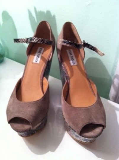 Steve Madden Grey Wedges