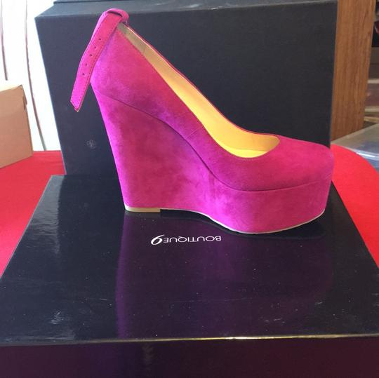 Boutique 9 Purle suede more like majenta Wedges