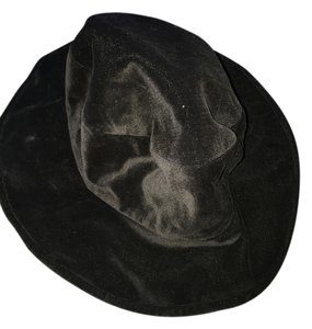 Other Beautiful velour black hat