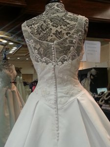 Amy Lee Hilton Bridal 2600 Wedding Dress
