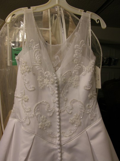 Amy Lee Hilton Bridal White 2600 Wedding Dress Size 12 (L)