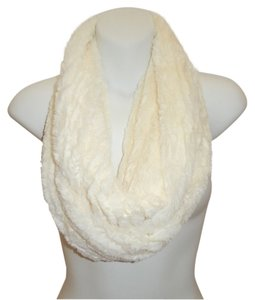 Boutique Lux Solid Ivory White Faux Fur Infinity Scarf