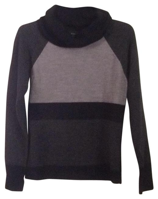 Preload https://img-static.tradesy.com/item/11995420/cynthia-rowley-black-charcoal-gray-sweaterpullover-size-10-m-0-1-650-650.jpg
