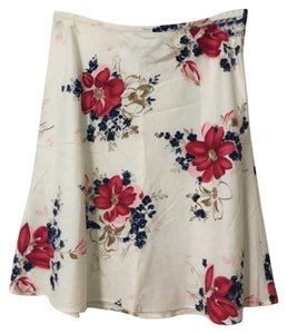 Ann Taylor LOFT Red Aline Petite Skirt Cream/white & multi floral