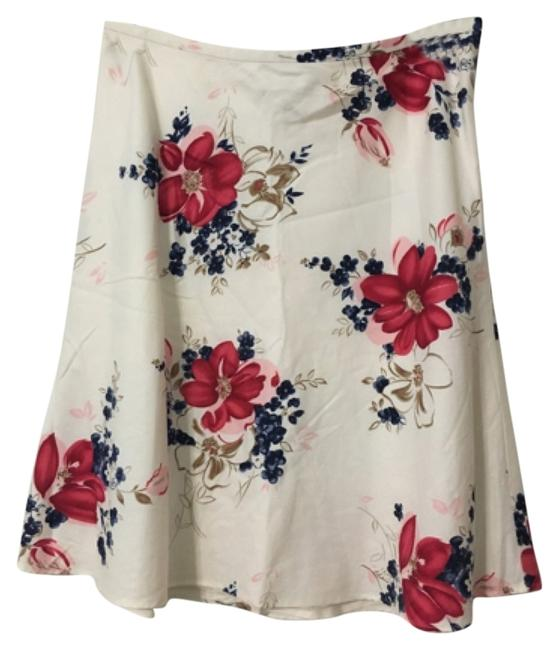 Preload https://item1.tradesy.com/images/ann-taylor-loft-creamwhite-and-multi-floral-a-line-knee-length-skirt-size-petite-10-m-11995675-0-1.jpg?width=400&height=650