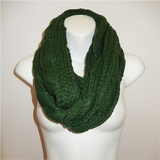 Boutique Green Chunky Solid Color Cable Knitted Infinity Scarf