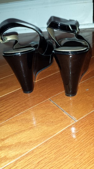 Marc Fisher black Wedges