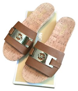 MICHAEL Michael Kors Summer Spring Classic Casual Gold Luggage Sandals