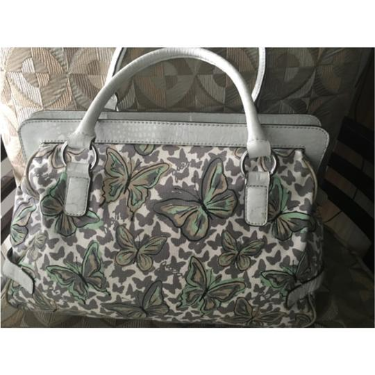 Guess Satchel in White And Green