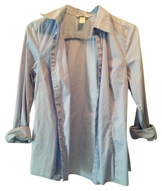 Preload https://item4.tradesy.com/images/h-and-m-light-blue-button-down-top-size-8-m-12000958-0-1.jpg?width=400&height=650