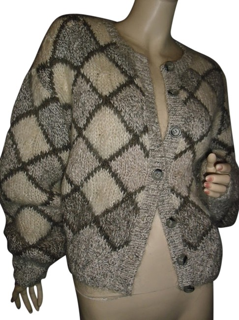 Preload https://item3.tradesy.com/images/liz-claiborne-gray-and-beige-diamond-knit-chunky-cardigan-fashionista-style-boutique-sweaterpullover-12001567-0-1.jpg?width=400&height=650