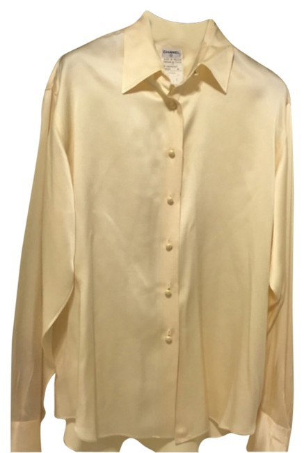 Preload https://item2.tradesy.com/images/chanel-beige-ivory-silk-cc-pearls-button-blouse-size-10-m-12001831-0-1.jpg?width=400&height=650