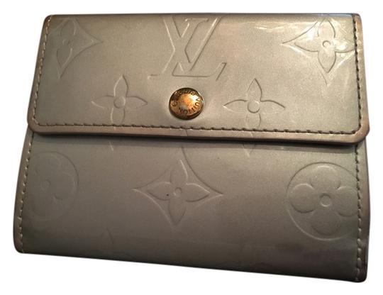 Preload https://item3.tradesy.com/images/louis-vuitton-silver-compact-monogram-vernis-leather-small-leather-goods-wallet-12002962-0-2.jpg?width=440&height=440