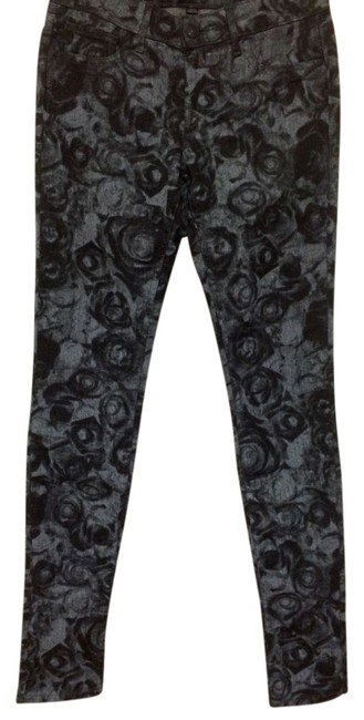 Preload https://item4.tradesy.com/images/miss-me-grey-dark-rinse-rose-print-skinny-jeans-size-27-4-s-12003658-0-1.jpg?width=400&height=650