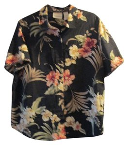 Alfred Dunner Top black with peach,white flowers