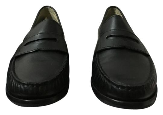 Preload https://item3.tradesy.com/images/cole-haan-black-loafers-like-new-flats-size-us-7-regular-m-b-12005122-0-1.jpg?width=440&height=440