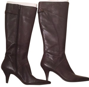 Brown Ninewest Low heel leather boot Brown Boots