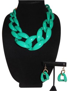Green Chunky Large Acrylic Chain Necklace Set