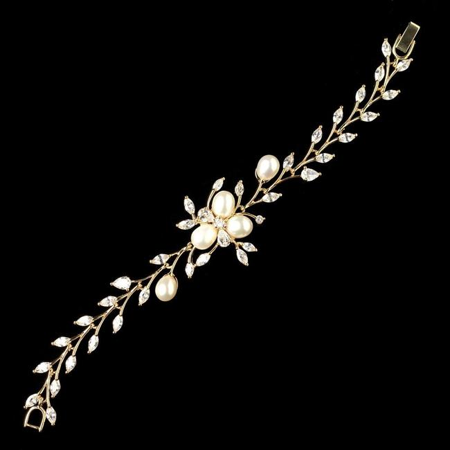 Item - Gold Plated Cz and Freshwater Pearl Bracelet