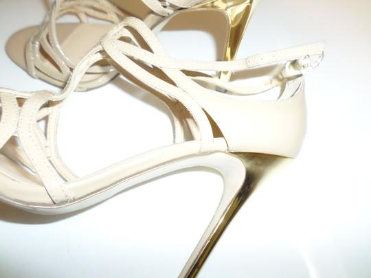 Ivanka Trump Patent Leather Open Toe Padded Insole Lacquered Heel Metallic Stappy Glossy Nude / Gold Sandals