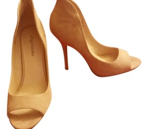 ZIGI NEW YORK Beige Pumps