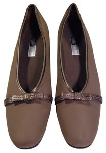 Munro American Brown, metallic accents Flats