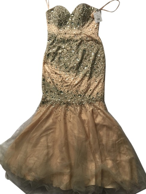 Preload https://item5.tradesy.com/images/nude-with-tag-long-formal-dress-size-10-m-12021049-0-1.jpg?width=400&height=650