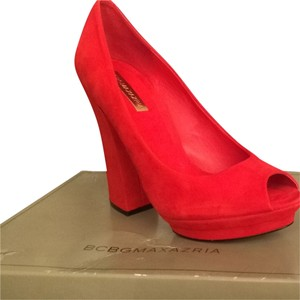 BCBGMAXAZRIA Curry Pumps