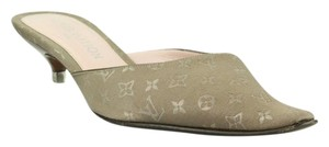 fca8ef398f Louis Vuitton Shoes - Up to 90% off at Tradesy