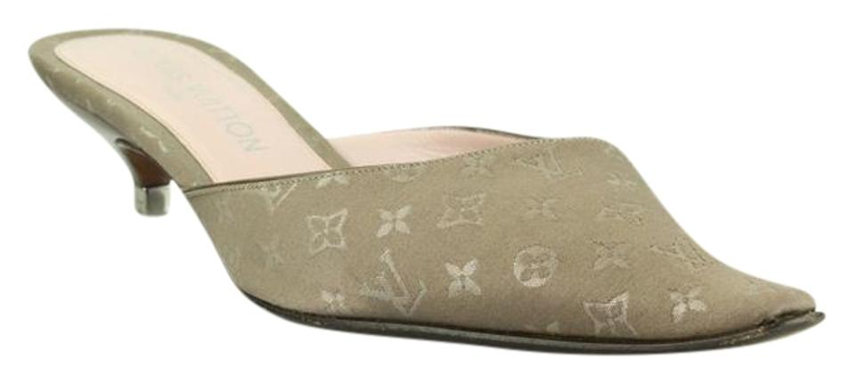 17435b49a02 Louis Vuitton Shoes - Up to 90% off at Tradesy