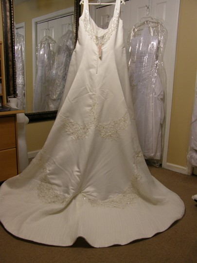 Eden Ivory 2319 Wedding Dress Size 20 (Plus 1x)