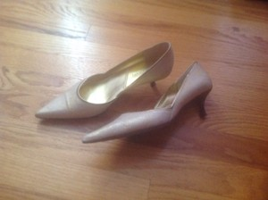 Tahari Mother Of The Bride Kitten Heel Gold Pumps