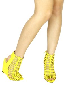 Mark and Maddux Yellow Wedges