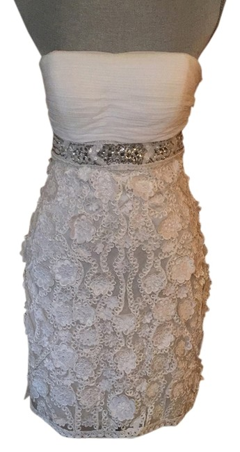 Item - White Mid-length Formal Dress Size 4 (S)