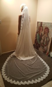 Cathedral Lace Veil 1 Tier Ivory