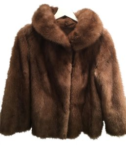 A&M Mink Fur Burberry Fur Jacket Fur Coat