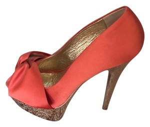 Steve Madden Coral and Gold Pumps