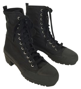 DKNY Lug Sole Lace-up Cotton Lining Vintage Black Boots