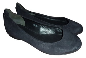 Vera Wang Leather Detail Ballet Black Flats