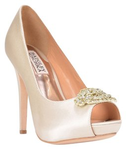 Badgley Mischka Goodie Satin Ivory Pumps