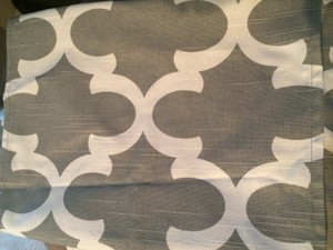 Grey/White Summer Flynn Spirit In Table Runners Tablecloth