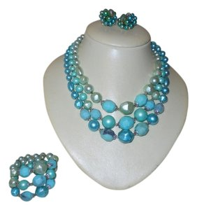 Vintage turquoise beaded necklace set