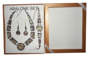 NWOT Abalone 3 piece set